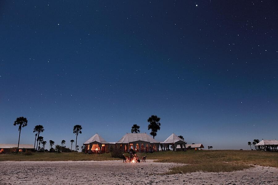 Camp in the Makgadikgadi NP to visit Kubu Island